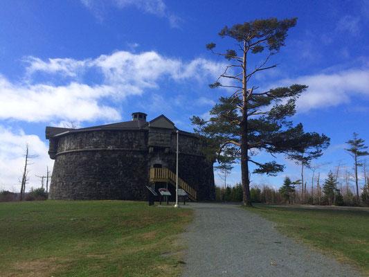 Ein Wehrturm im Point Pleasant Park, Relikt der ehemaligen Befestigung im engl. Stil