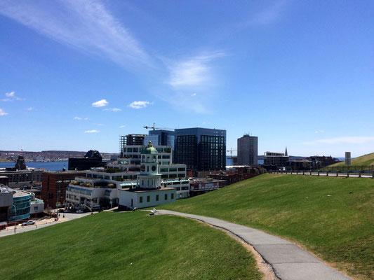 Blick vom Hügel der Zitadelle auf die Innenstadt