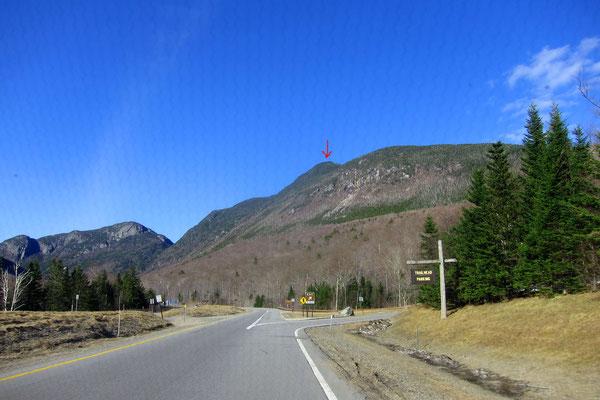 Ein Pfeil zeigt auf den Mt. Lafayette (1.600 m)