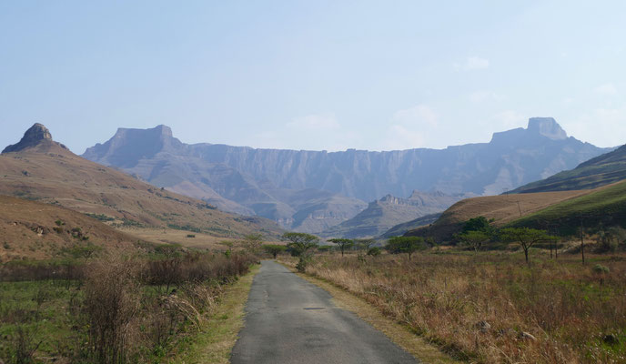 Blick auf das Amphitheater im Royal Natal Nationalpark
