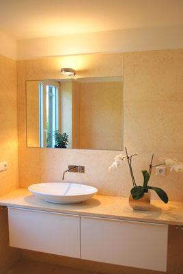 bad sauna spa wellness waschtische chez q natursteine. Black Bedroom Furniture Sets. Home Design Ideas