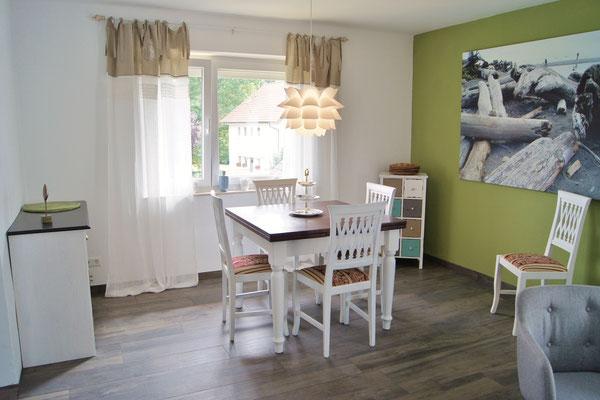 Die Fliesenböden in der Wohnung sind mit Fußbodenheizung ausgestattet