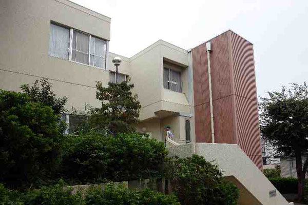 青葉台コミュニティハウス。あいにくの雨模様ですが、キンモクセイの香る秋らしい日です。