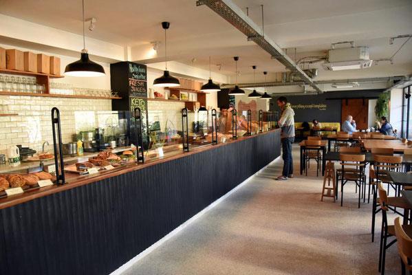 eine europäische Bäckerei in Islamabad - es schmeckt und kostet so wie daheim