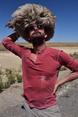 Perücke? Nein - ein Kamel-Ziegen-Haar-Büschel
