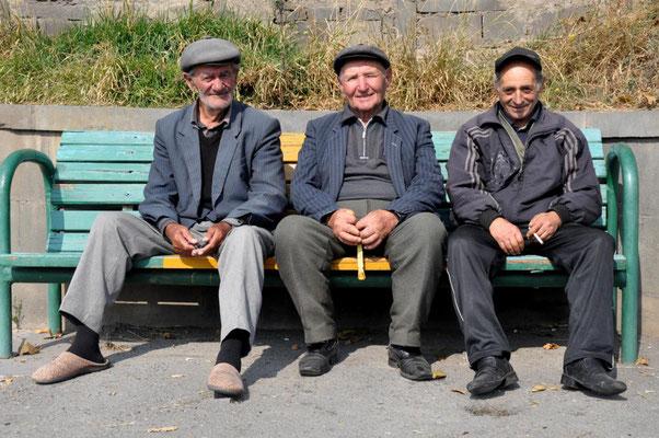 drei Alte in Sisian