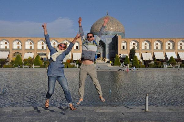 vor der Moschee am Imam Square