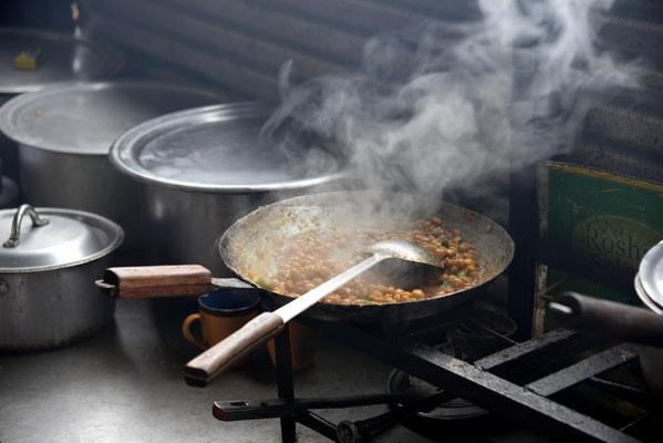 Kichererbsen - unser Mittagessen wird nochmal heiß gemacht