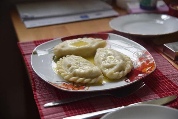 Kärntner Nudeln (oder Maultaschen oder Momo oder Manti oder Pierogi)