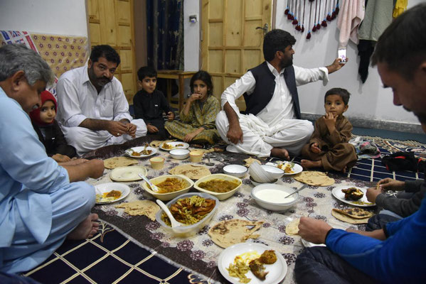 beim Abendessen in Nadir Shahs Haus