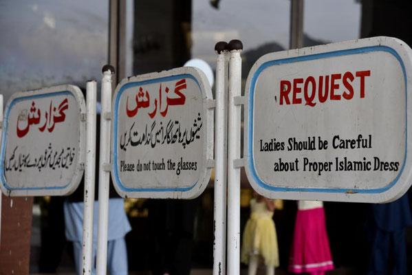 Pakistaner lieben Regeln - damit man sie brechen kann