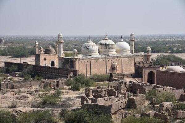 dafür ist die benachbarte Moschee schön erhalten