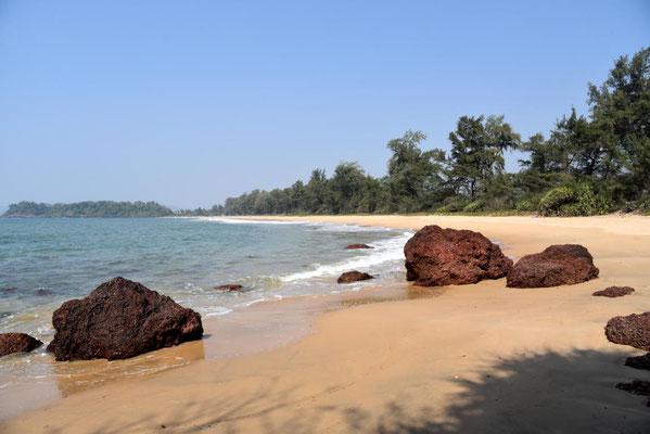 einsamer Strand von Talpona