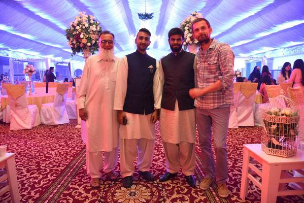 Moqeem, Ahsan, Hamza und Janus