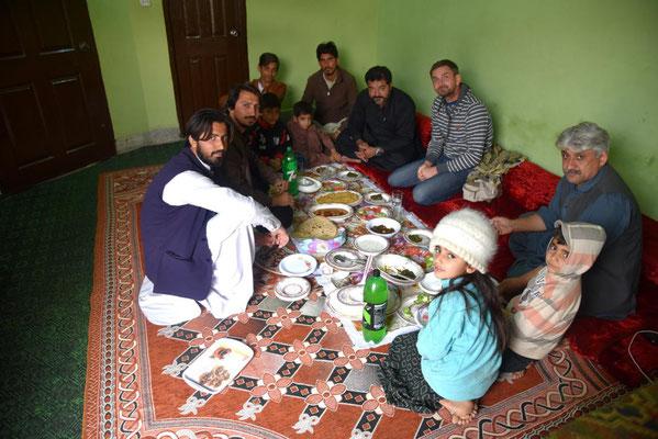 Lunch bei Saifs Klanmitgliedern