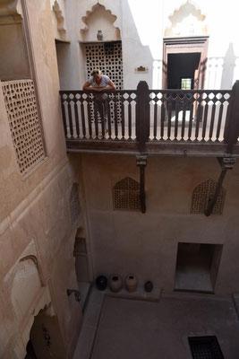 kleine Innenhöfe, die Schatten spenden