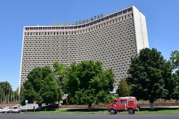 Hotel Uzbekistan in Tashkent - russian style