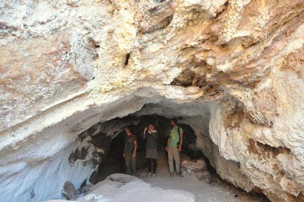 in der Salzgrotte auf Hormuz