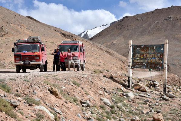 am 4655 m hohen Ak Baital Pass