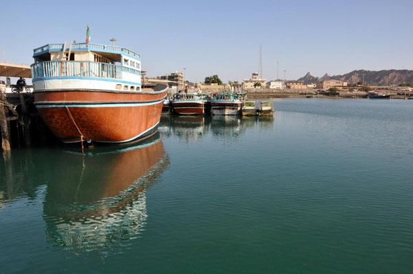 im Hafen von Hormuz
