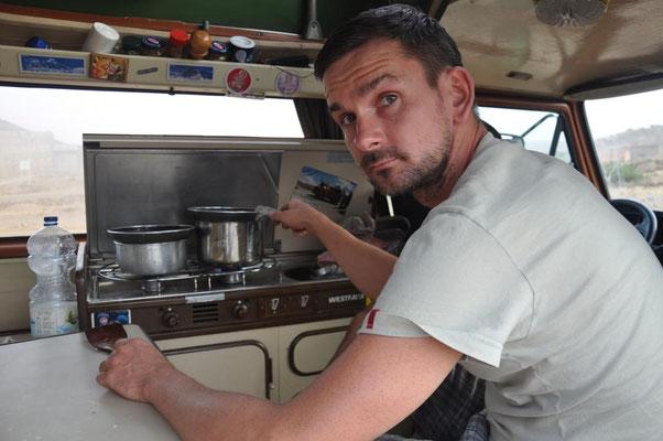 Janus beim Kochen 3