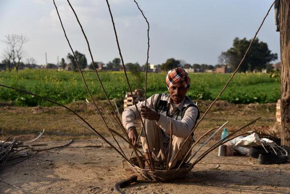 Korbflechter in Punjab