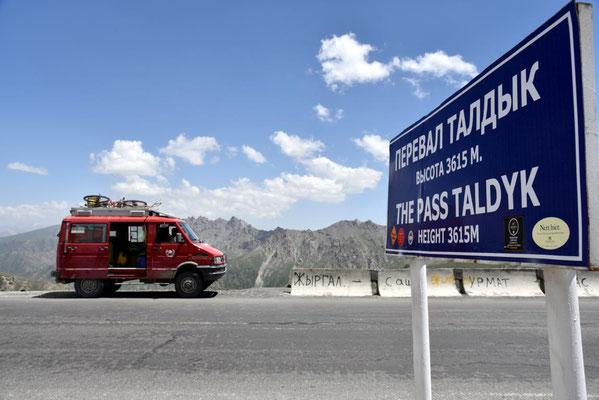 auf dem 3600 m hohen Pass Richtung Sary Tash