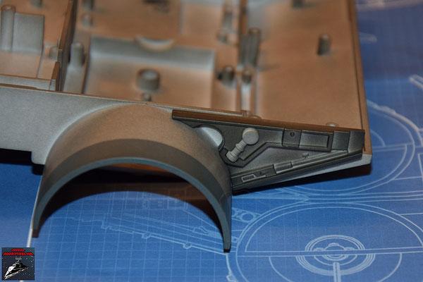 DeAgostini Bau deinen X-Wing Ausgabe 23 Das Detail wird an dem Verbindungsstück befestigt und dieses an die Antriebsbefestigung geschraubt