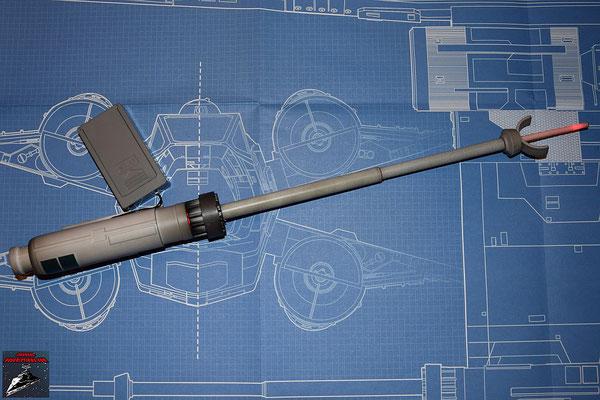 DeAgostini Bau deinen X-Wing Ausgabe 4 Der Lichtwellenleiter wird mit der LED im Generator verbunden. Alle anderen Teile werden zusammengesteckt, sodass der Lichtleiter an der Spitze leuchtet. Die Bauteile sollten von innen schwarz bemalt werden.