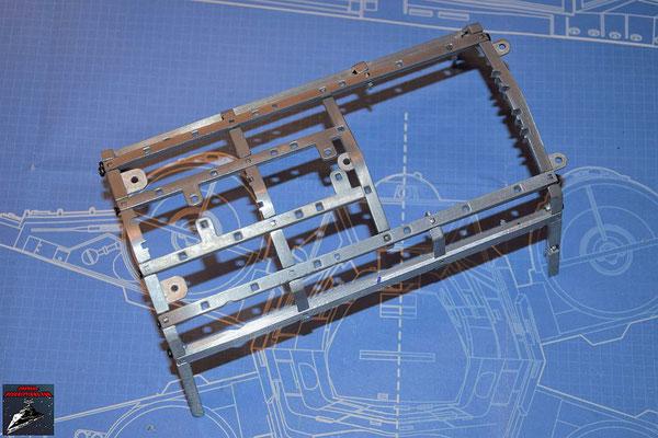 DeAgostini Bau deinen X-Wing Ausgabe 73 Der Rahmen für den hinteren Rumpf wird aus Teilen aus dieser Ausgabe und den Ausgaben 71 und 72 zusammengeschraubt