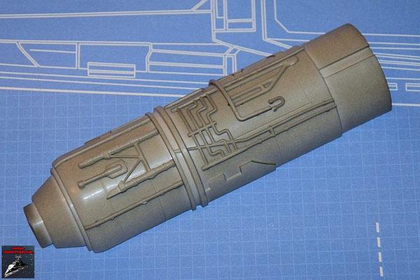 DeAgostini Bau deinen X-Wing Ausgabe 55 Die neun Anbaudetails werden an der Außenseite der oberen Hälfte des Fusionstriebwerkgehäuses befestigt