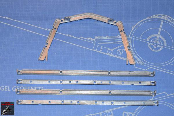 DeAgostini Bau deinen X-Wing Ausgabe 72 Vorderer Rahmen unten und vier Grundstreben (Metall)
