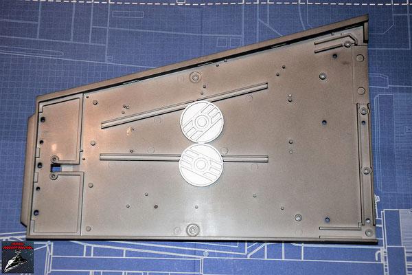 Bau Deinen X-Wing Ausgabe 38 Die Energiekupplungen werden an der Unterseite der Flügelunterseite angebracht