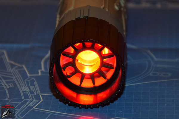 DeAgostini Bau deinen X-Wing Ausgabe 13 Das beleuchtete Triebwerk