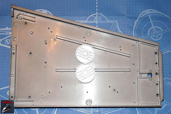 DeAgostini Bau deinen X-Wing Ausgabe 21 Die Energiekupplungen werden an der Innenseite des unteren Backbordflügels befestigt