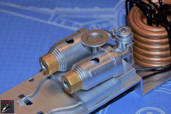 DeAgostini Bau deinen X-Wing Ausgabe 79 Die obere Entlüftung wird an der Hyperantriebsbefestigung befestigt.