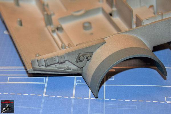 Bau Deinen X-Wing Ausgabe 40 Die Details werden an dem Verbindungsstück befestigt und dieses an die Antriebsbefestigung geschraubt