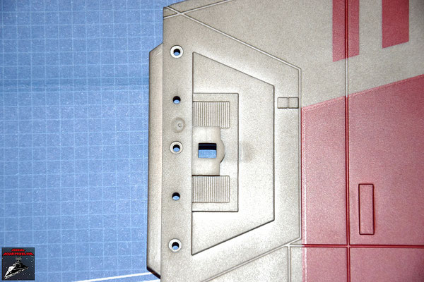 DeAgostini Bau deinen X-Wing Ausgabe 7 Die Halterung der Laserkanone wird auf dem rechten Steuerbordflügel befestigt