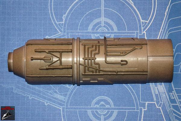 DeAgostini Bau deinen X-Wing Ausgabe 25 Die neun Anbaudetails werden an der Außenseite der oberen Hälfte des Fusionstriebwerkgehäuses befestigt