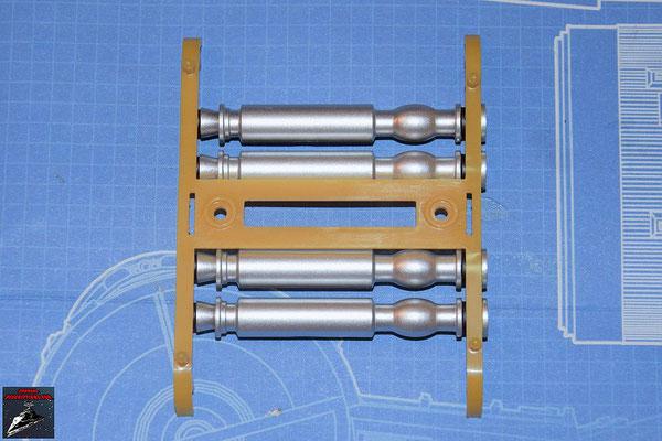 DeAgostini Bau deinen X-Wing Ausgabe 74 Die Torpedounterteile werden auf den Torpedogestellboden gesteckt