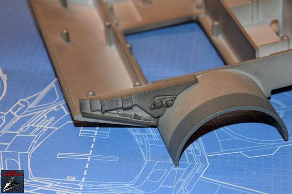 DeAgostini Bau deinen X-Wing Ausgabe 53 Das Detail wird an dem Verbindungsstück befestigt und dieses an die Antriebsbefestigung geschraubt