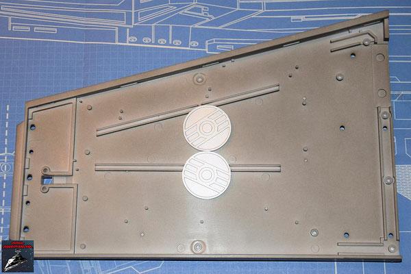 DeAgostini Bau deinen X-Wing Ausgabe 51 Die Energiekupplungen werden an der Innenseite des oberen Backbordflügels befestigt