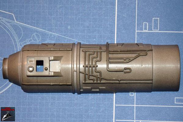 DeAgostini Bau deinen X-Wing Ausgabe 27 Die 7 Anbaudetails werden an der unteren Hälfte des Fusionstriebwerksgehäuse befestigt