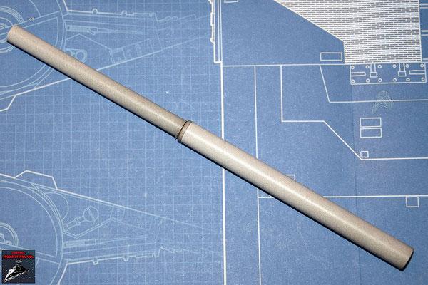 DeAgostini Bau deinen X-Wing Ausgabe 19 Das Kanonenrohr der unteren Backbordkanone werden zusammengesteckt