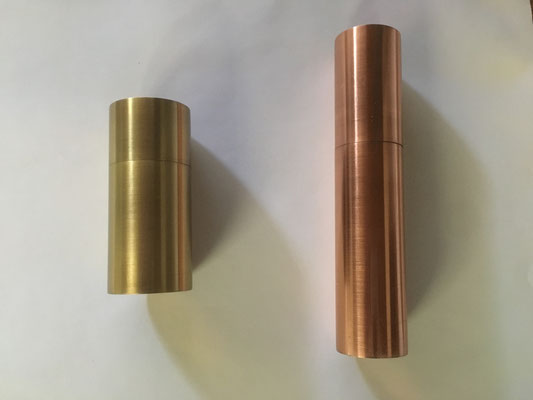 Dose mit Deckel aus Messing oder Kupfer
