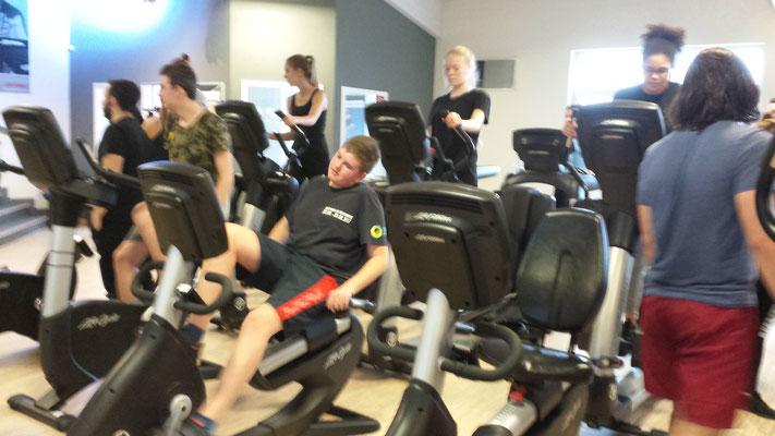 """Im Fitnessbereich konnten wir die verschiedenen Geräte zum """"Bodyforming testen"""""""