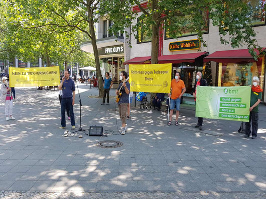 Demo gegen Tierversuche für Botox - Berlin, Juni 2021
