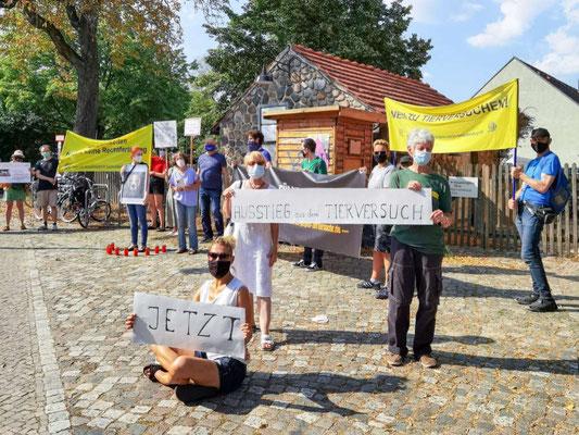 Mahnwache gegen Tierversuche an der FU Berlin am 15.08.20