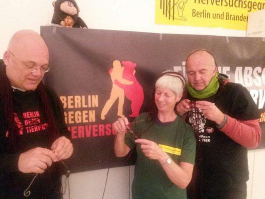 Demovorbereitung - Wir stricken am roten Faden der Demo. :-)