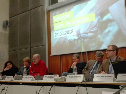 """""""Bündnis - Berlin gegen Tierversuche"""" (u.a. bmt e.V. Berlin) im Berliner Abgeordnetenhaus"""